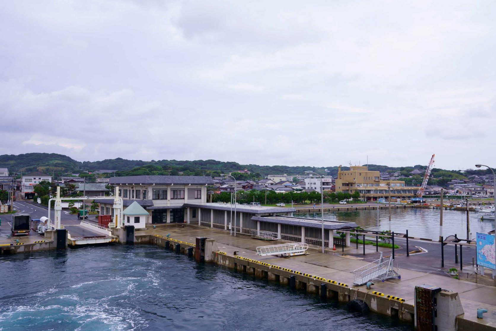 宇久島へのアクセスは佐世保港出発が一番早い!-2