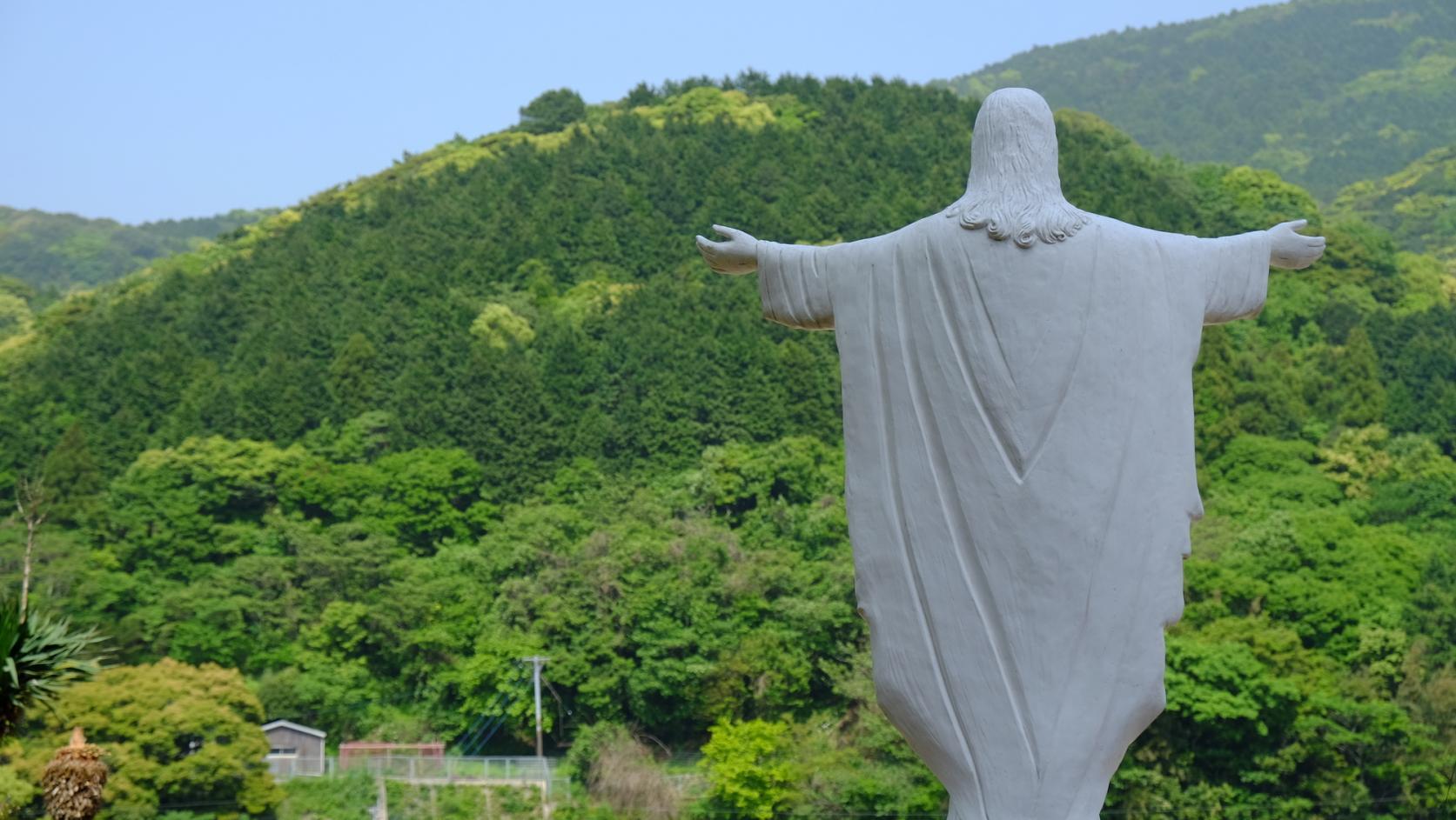 【上五島】歴史ある教会と碧い海、心癒される絶景をチャリで満喫-1