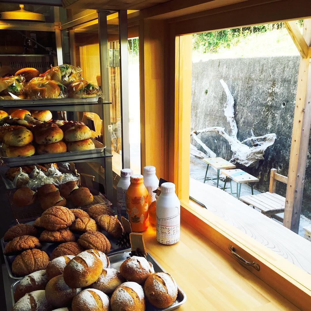 おしゃれベーカリー&カフェはまさかの廃校!自家栽培の小麦から作るおいしいパン-4