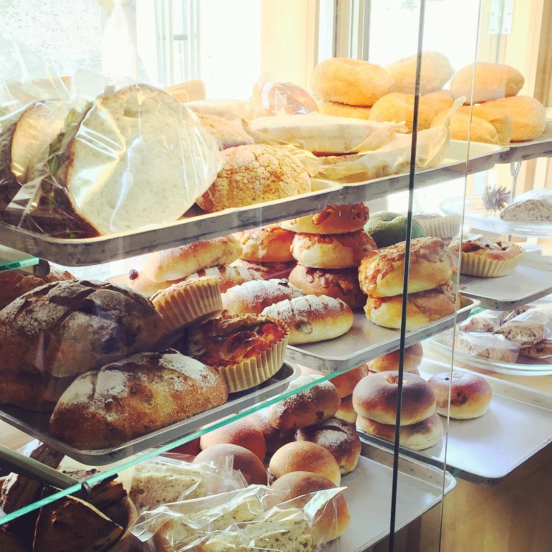 おしゃれベーカリー&カフェはまさかの廃校!自家栽培の小麦から作るおいしいパン-5