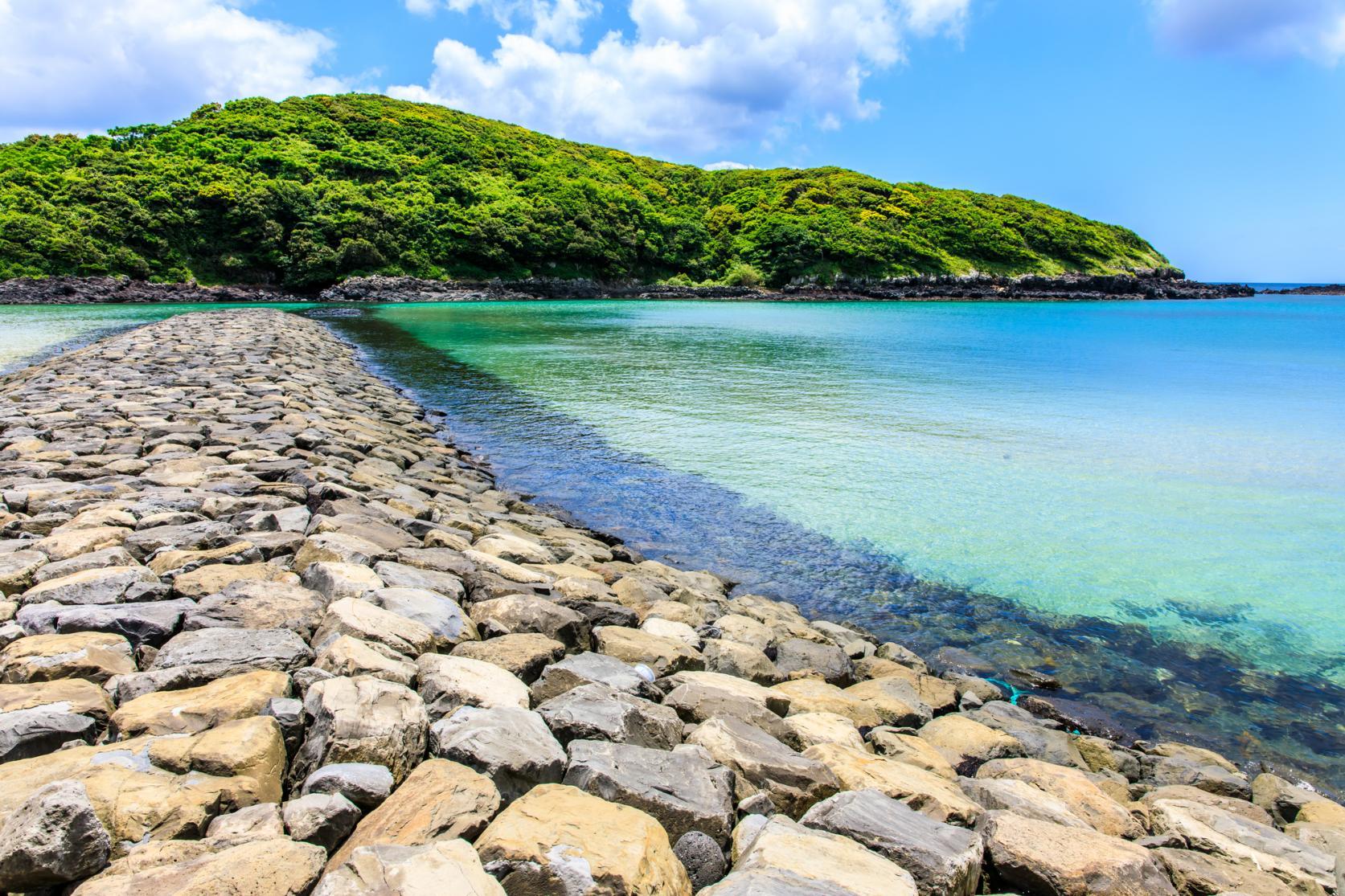 まるで玄界灘の宝石箱!広大な絶景ビーチでゆったり海水浴を-6