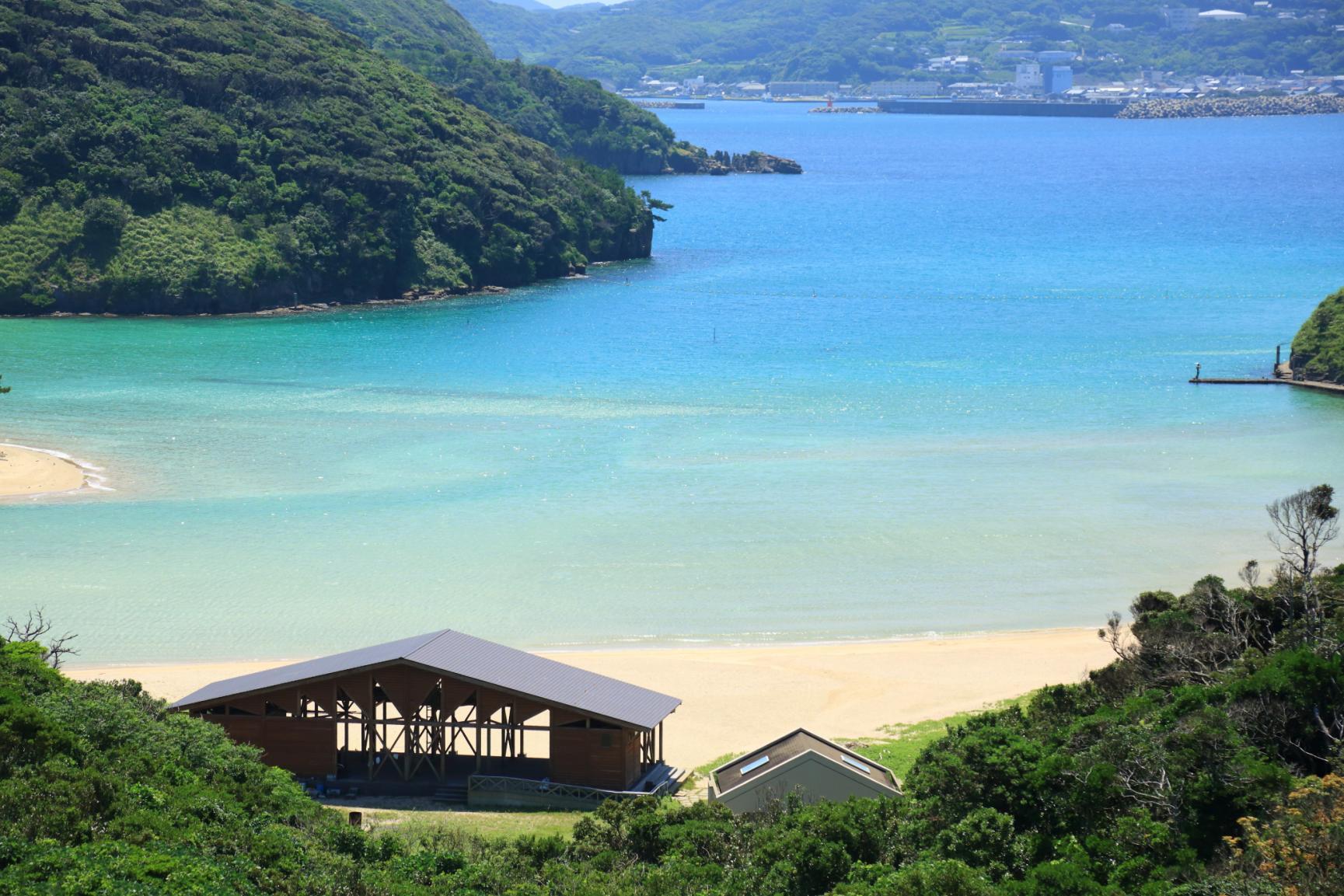 まるで玄界灘の宝石箱!広大な絶景ビーチでゆったり海水浴を-1