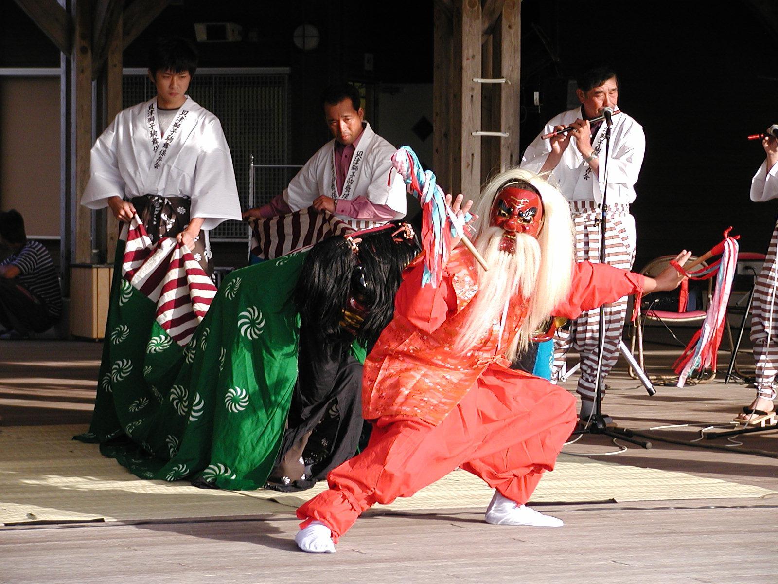 貝津の獅子こま舞(県指定無形民俗文化財)-1